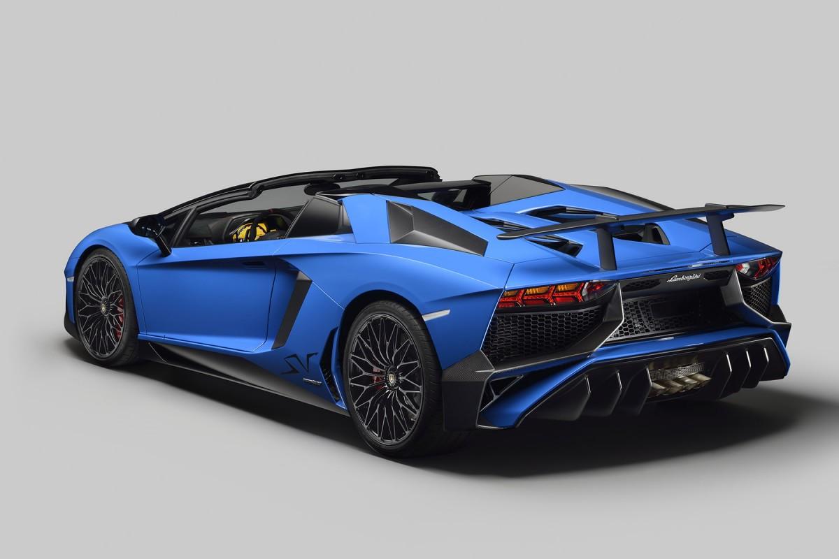 Lamborghini_Aventador_SV_Roadster