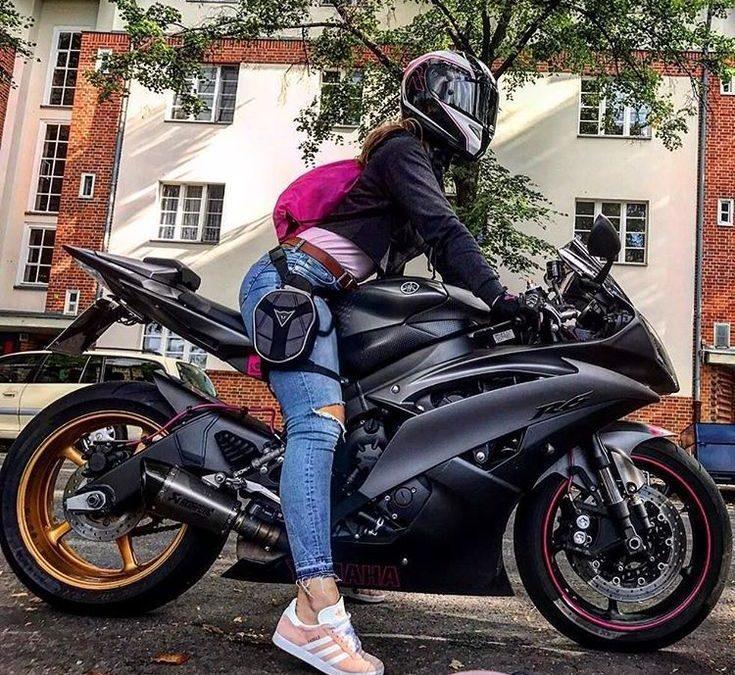 Moto pour femme : nos conseils pour équiper et choisir une moto adaptée à son gabarit