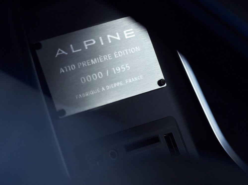 plaque identification alpine a110